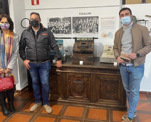 FOTO INAUGURACIÓN EXPOSICIÓN